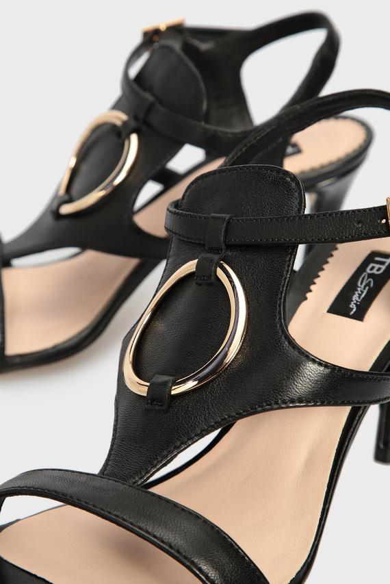 Женские черные кожаные босоножки LA DIGUE