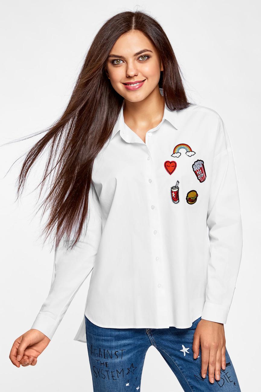 Женская белая рубашка с патчами