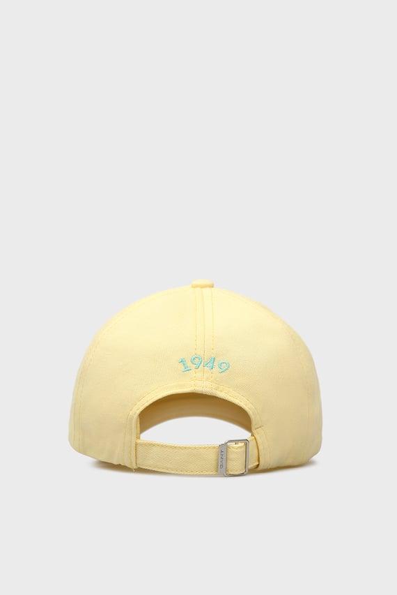 Женская желтая кепка