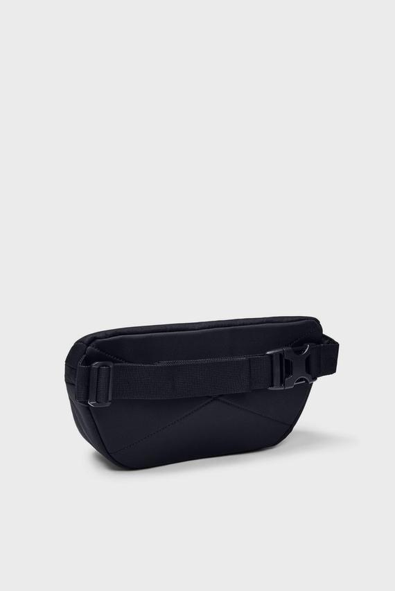 Черная поясная сумка UA Fanny Pack