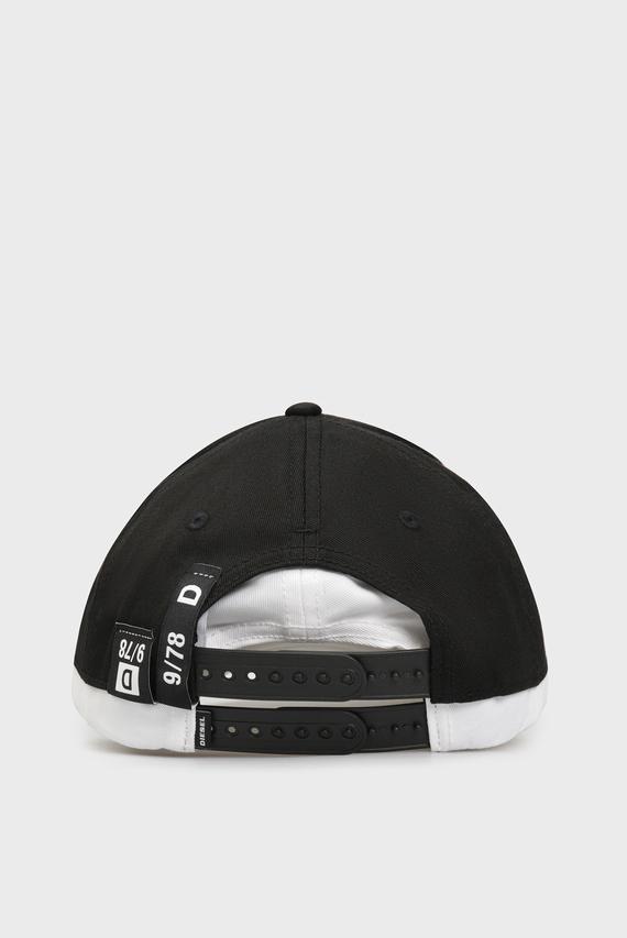 Черная кепка CEDOUBLE