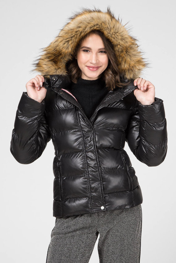 Женская черная куртка ELENA