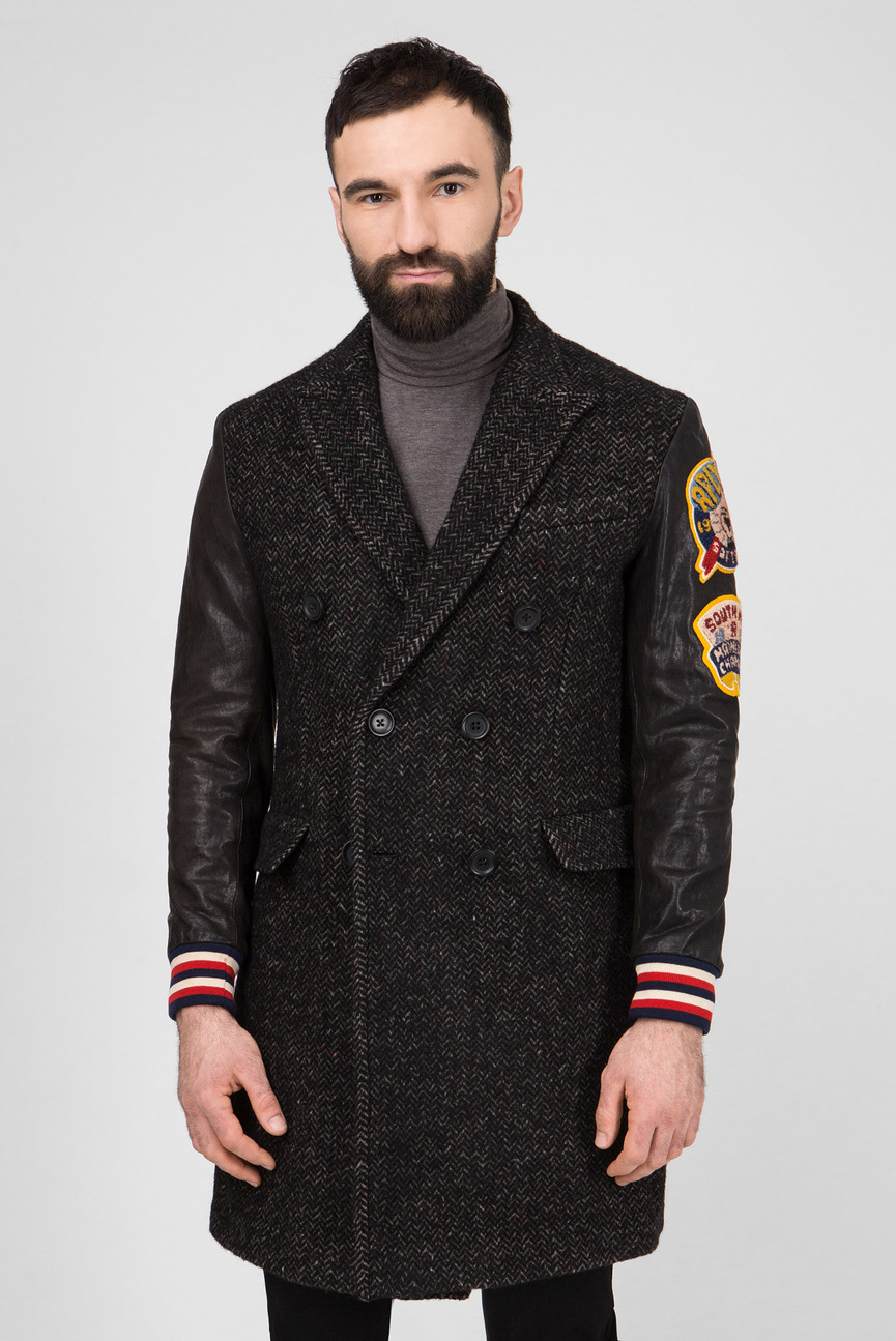 Мужское двубортное пальто с патчами
