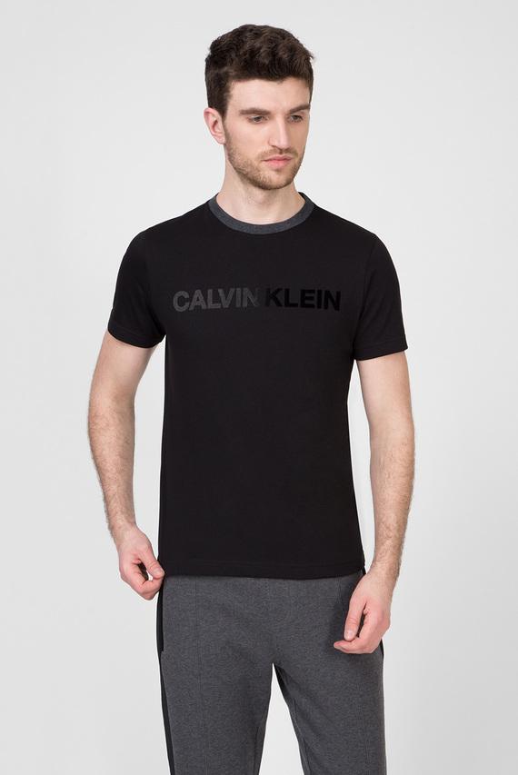 Мужская черная футболка TONE ON TONE