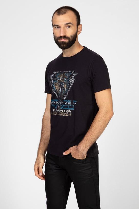 Мужская черная футболка с принтом