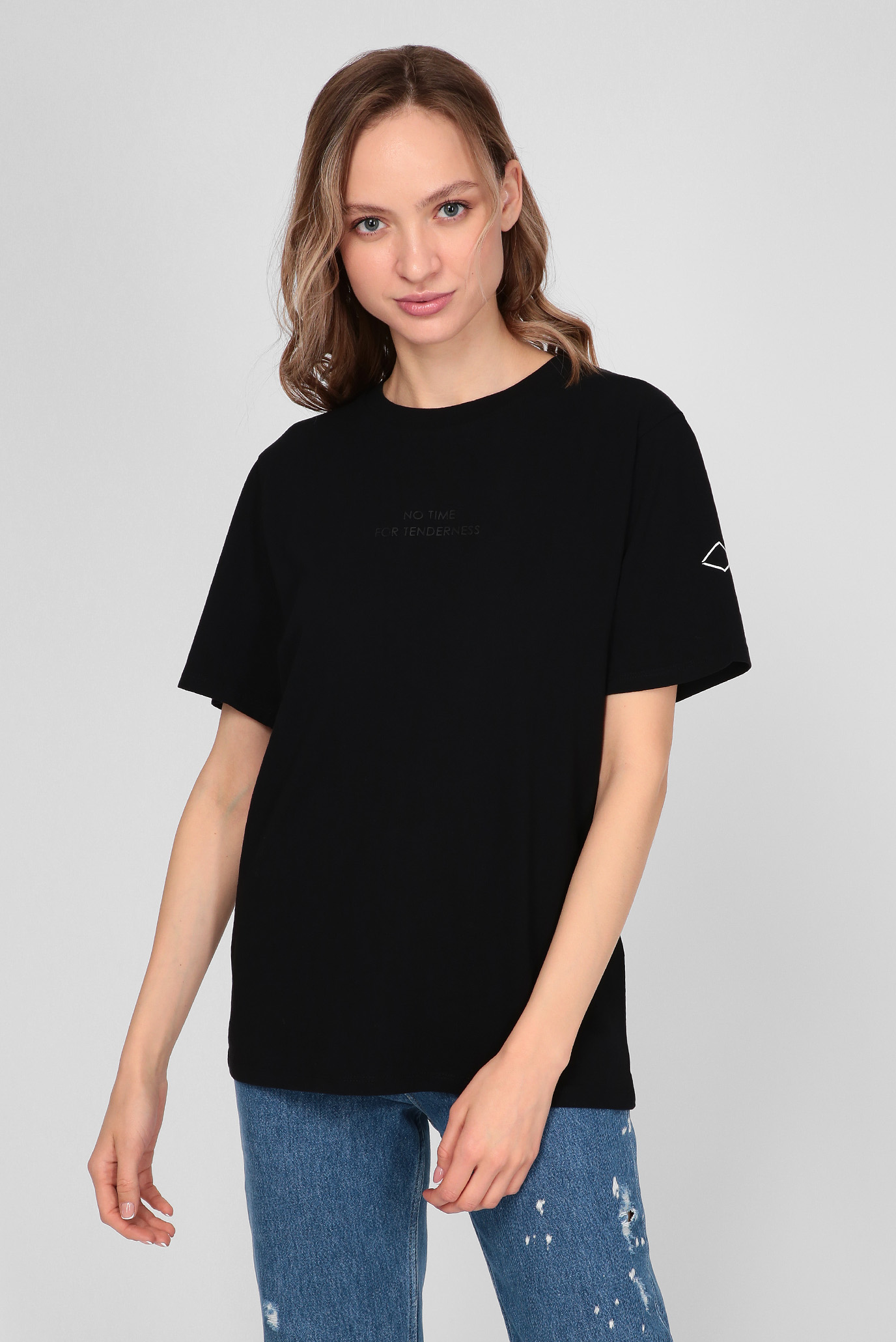 Жіноча чорна футболка 1