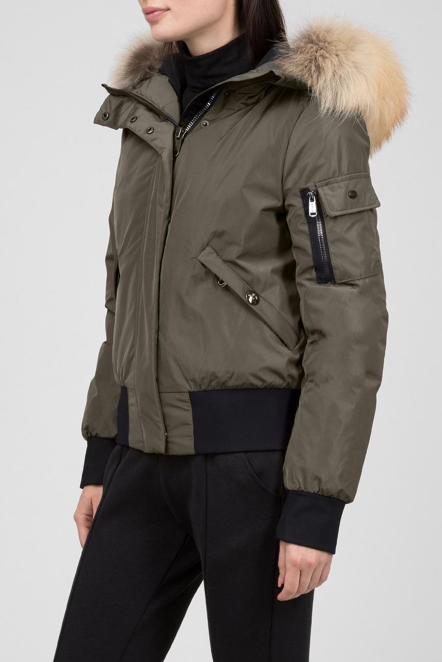 Женская зеленая пуховая куртка