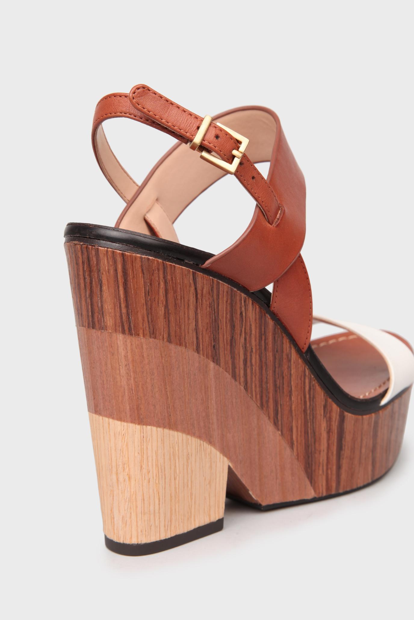 Купить Женские бежевые кожаные босоножки на деревянной танкетке Vince Camuto Vince Camuto VC-OLANA/NEWVAC – Киев, Украина. Цены в интернет магазине MD Fashion