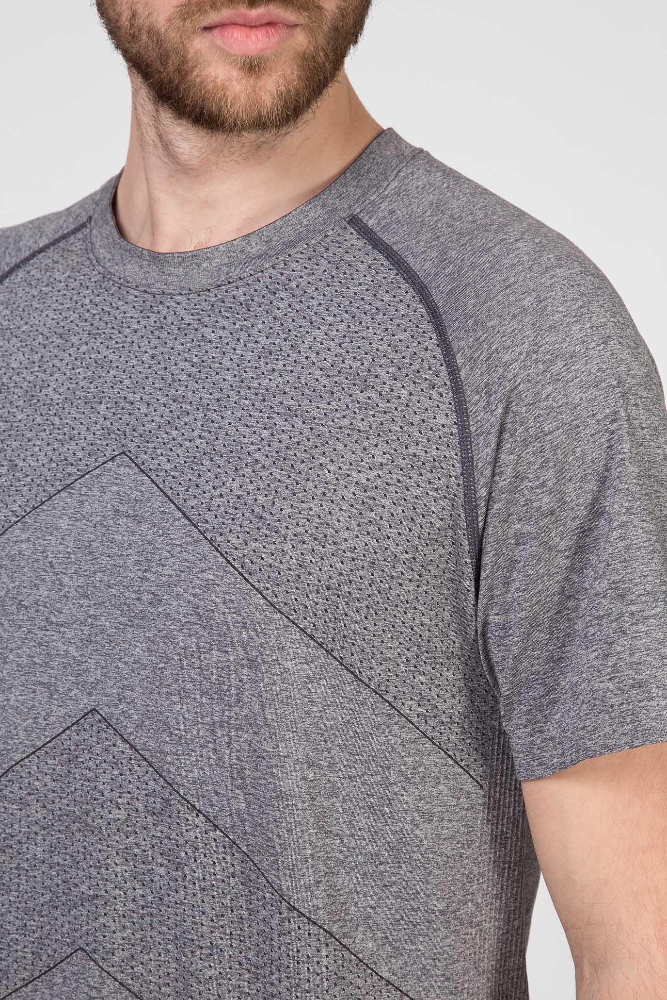 Мужская серая футболка Saucony