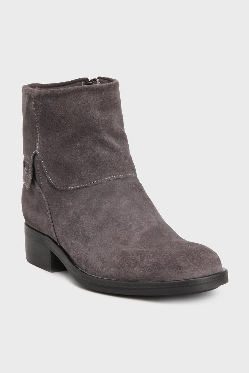 Женские серые замшевые ботинки