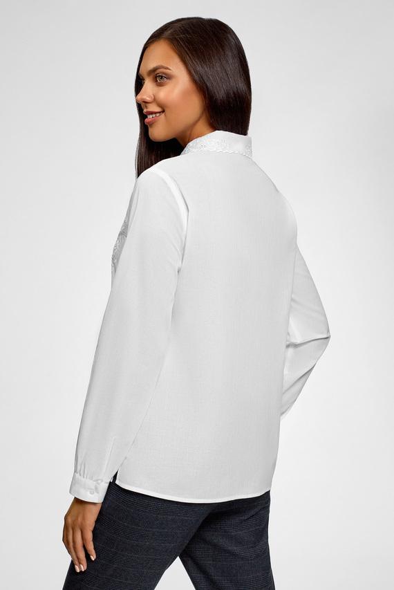 Женская белая блуза с кружевом