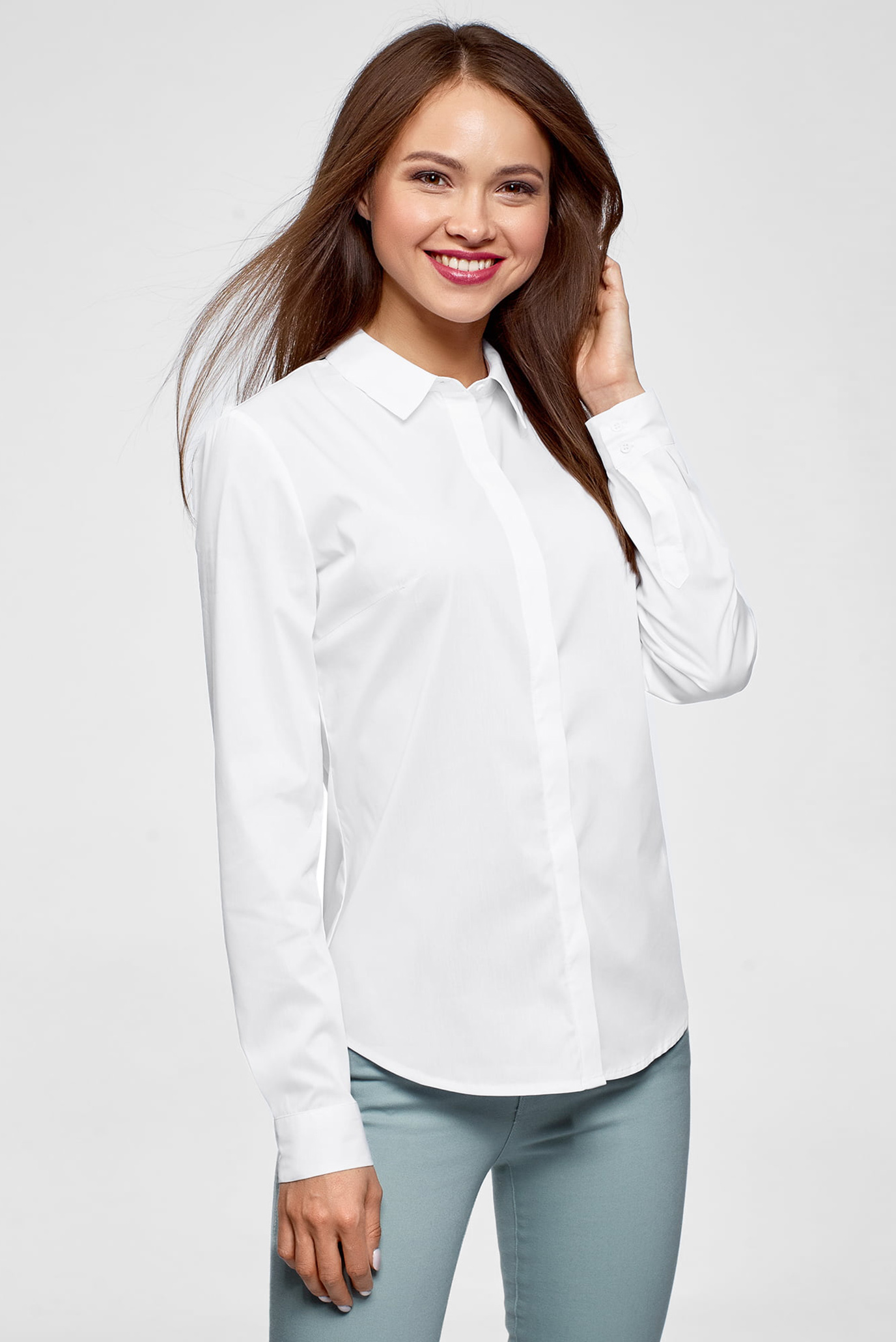 0df05a39d37346e Купить Женская белая рубашка Oodji Oodji 13K03003B/42083/1000N – Киев,  Украина. Цены в интернет магазине MD Fashion