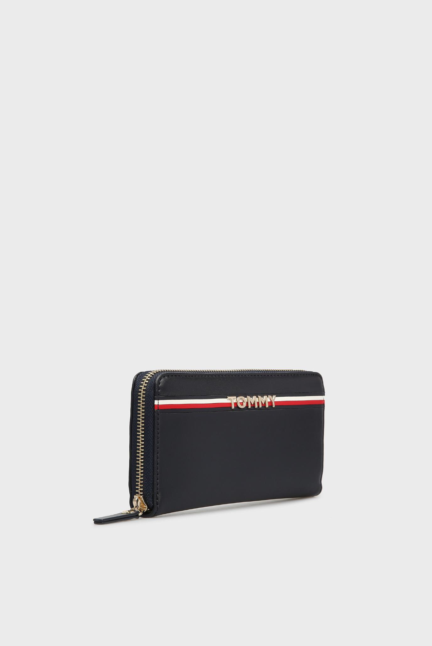 Купить Женский темно-синий кожаный кошелек CORP LEATHER Tommy Hilfiger Tommy Hilfiger AW0AW05755 – Киев, Украина. Цены в интернет магазине MD Fashion
