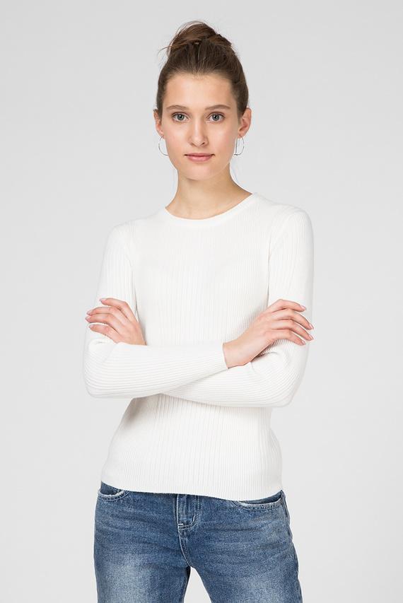 Женский белый джемпер