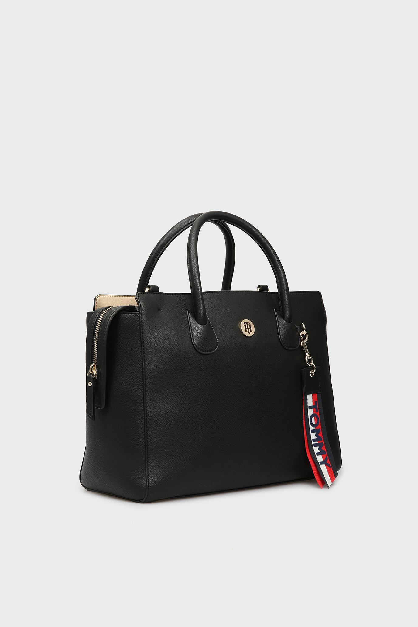 Купить Женская черная сумка на плечо CHARMING TOMMY SATCHEL Tommy Hilfiger Tommy Hilfiger AW0AW05673 – Киев, Украина. Цены в интернет магазине MD Fashion