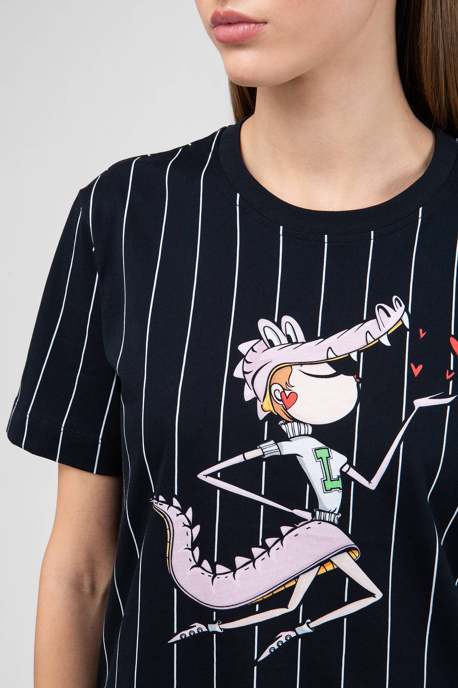 Купить Женская черная футболка в полоску Love Moschino Love Moschino W4G7102M3517C74 – Киев, Украина. Цены в интернет магазине MD Fashion