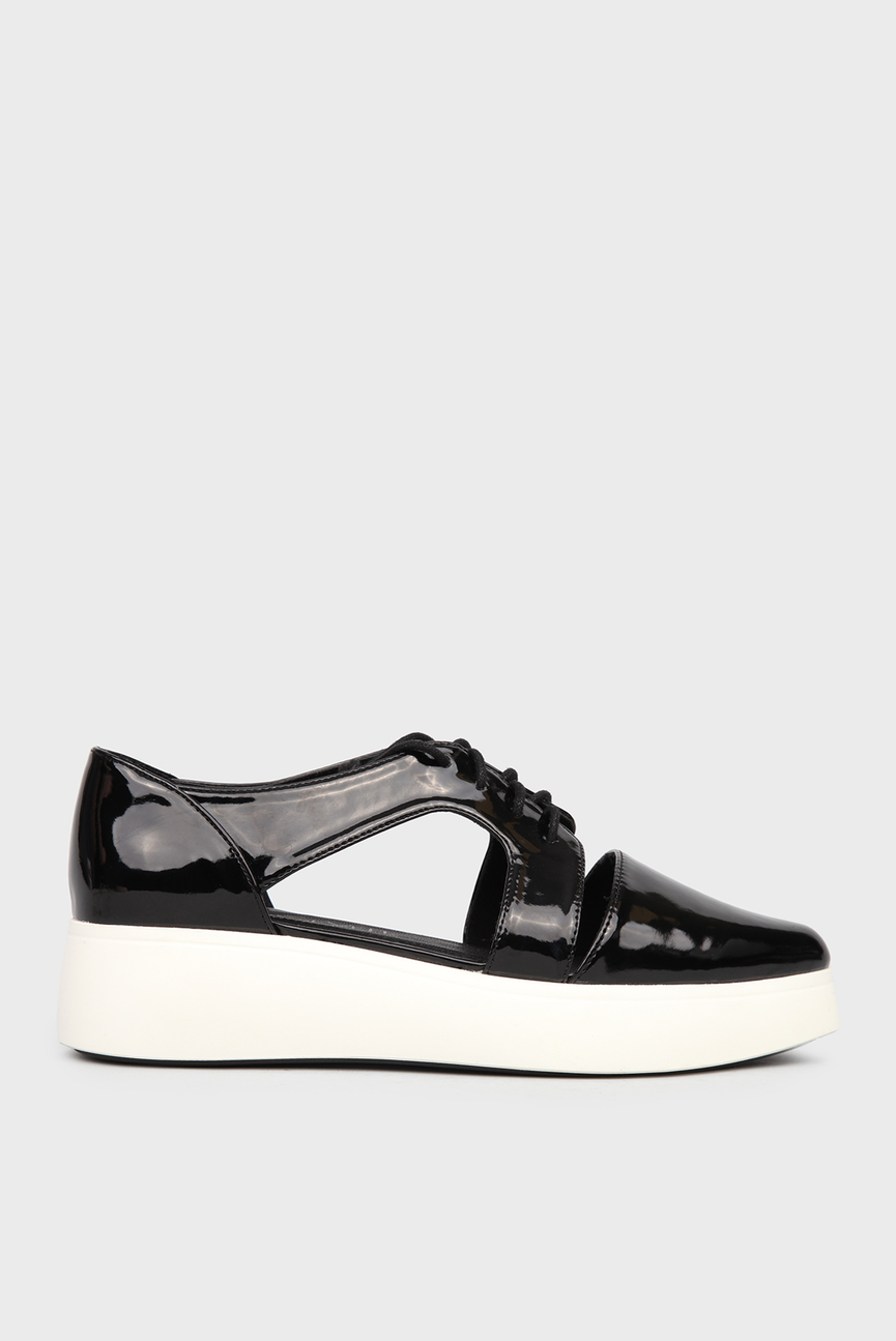 Женские черные лакированные туфли