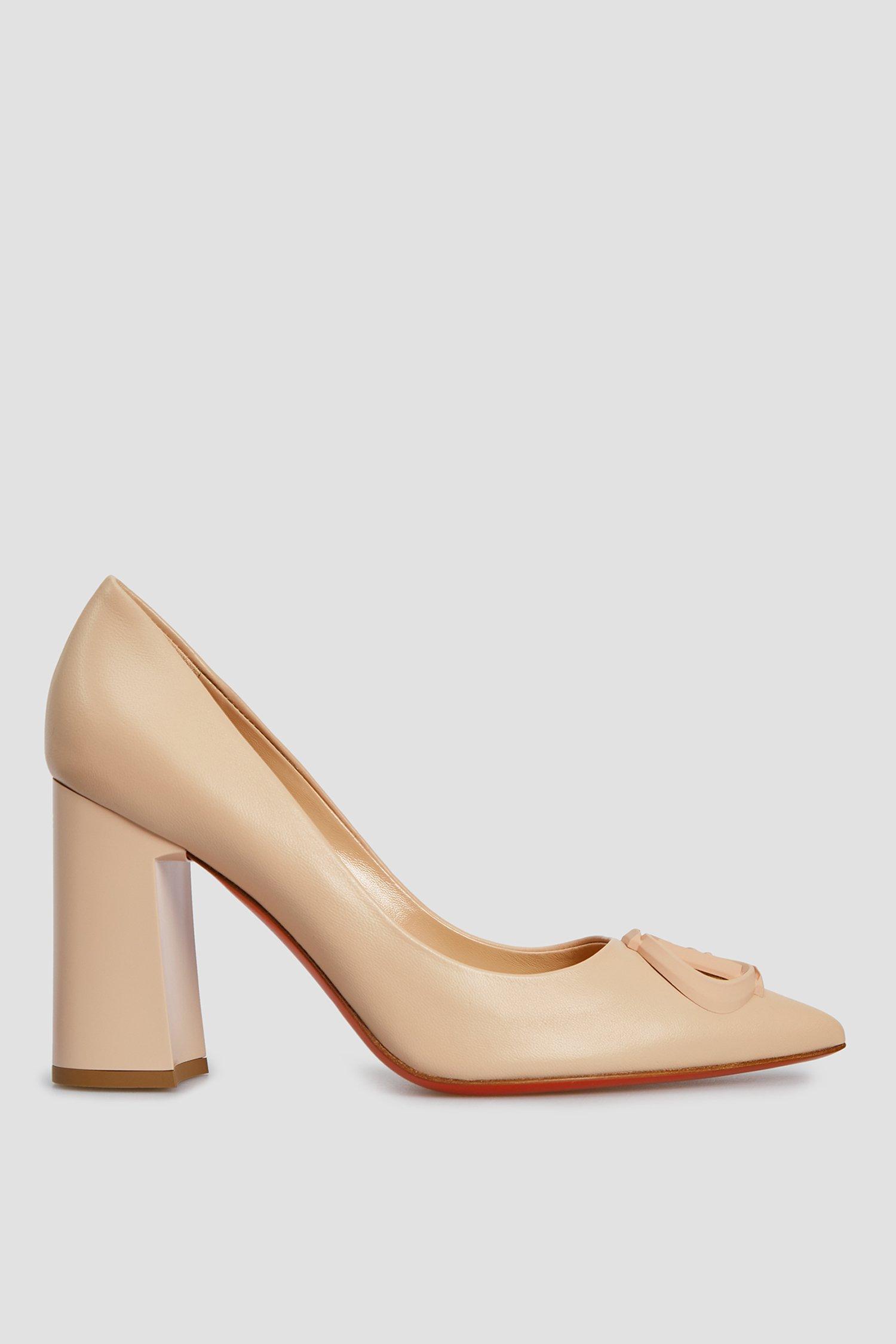 Жіночі бежеві шкіряні туфлі 1