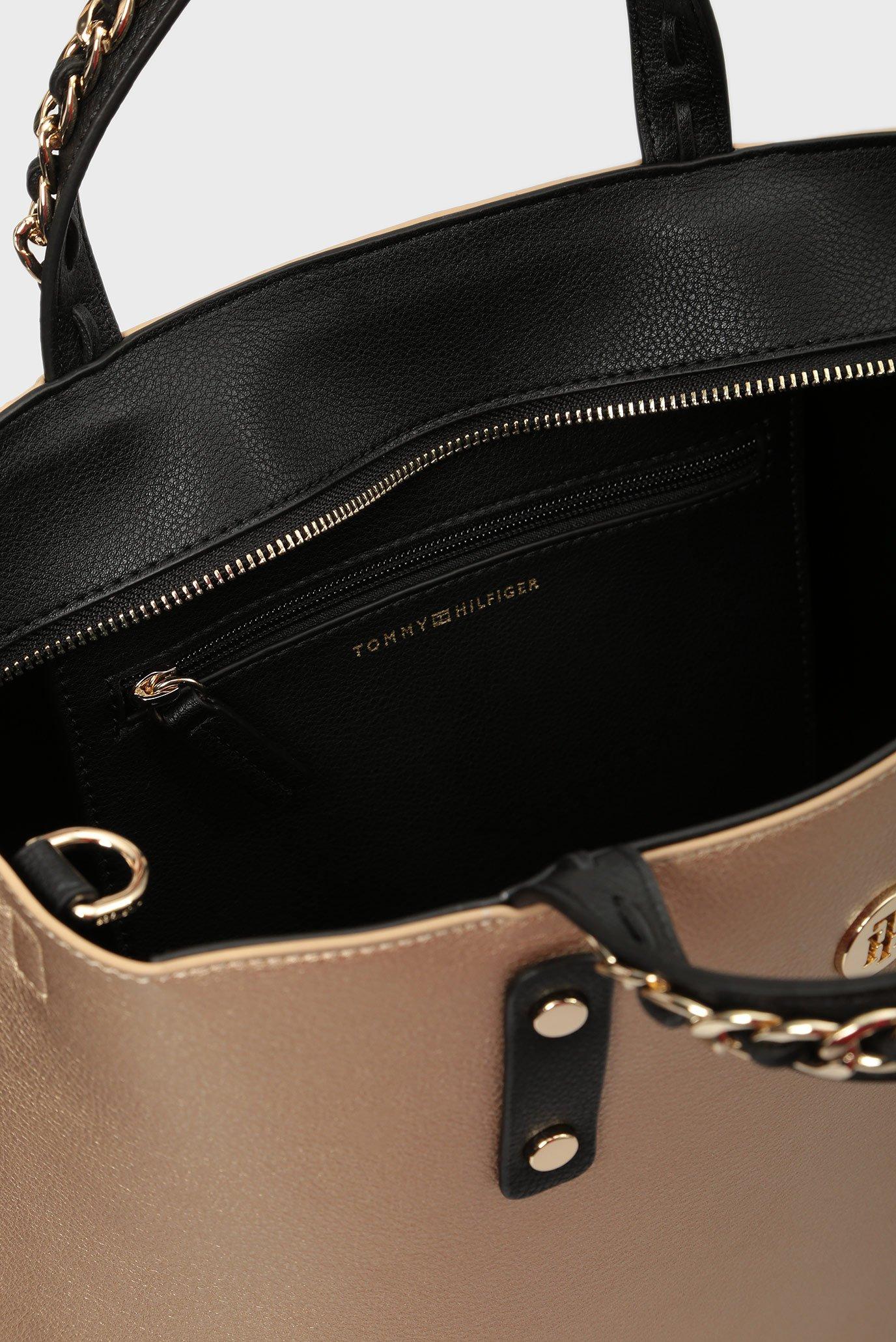 Купить Женская золотистая сумка на плечо TOMMY CHAIN TOTE Tommy Hilfiger Tommy Hilfiger AW0AW05816 – Киев, Украина. Цены в интернет магазине MD Fashion