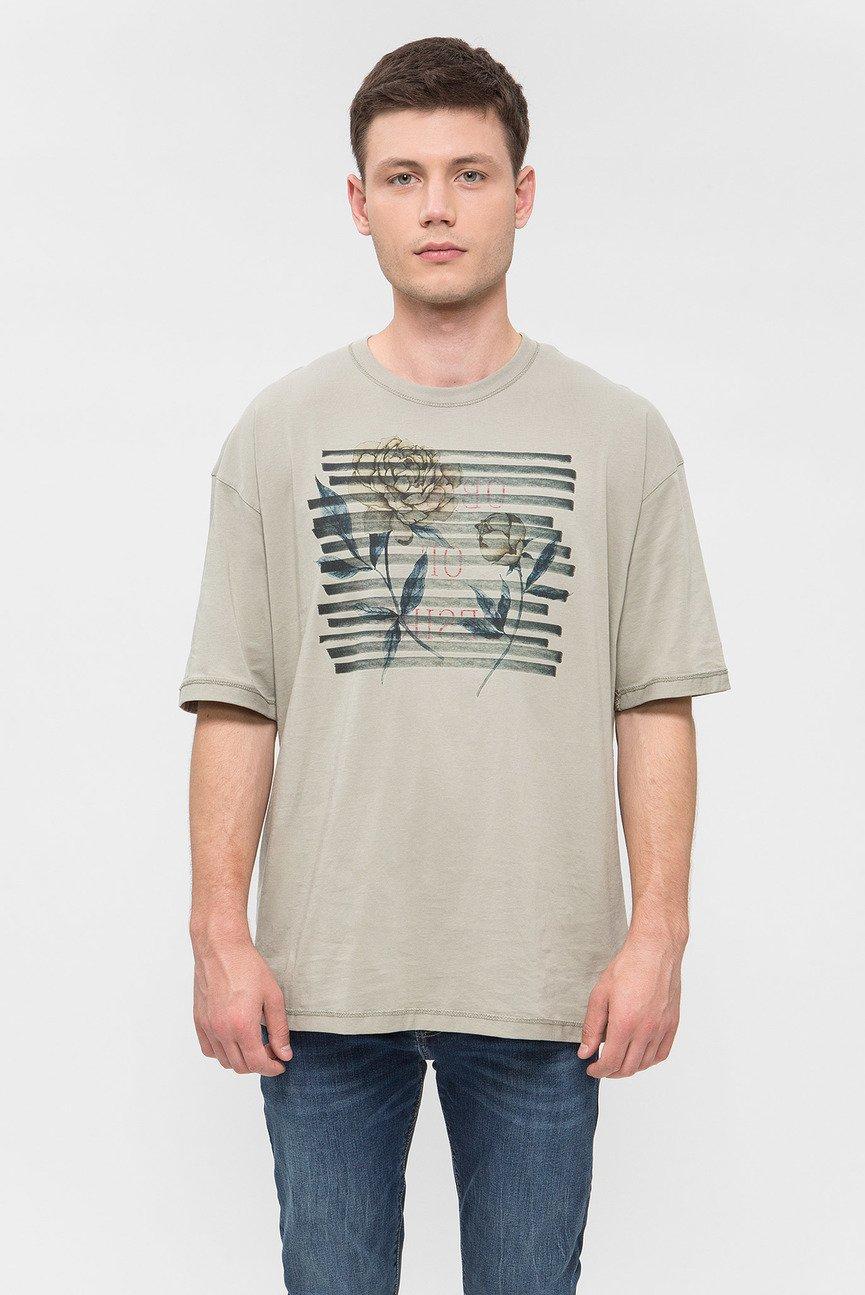 Мужская оливковая футболка с принтом