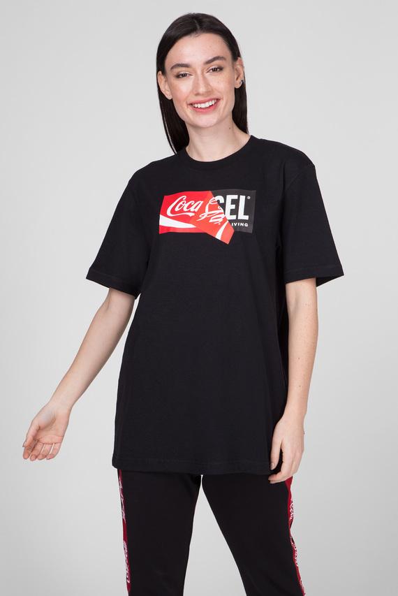 Черная футболка CC-T-JUST-COLA
