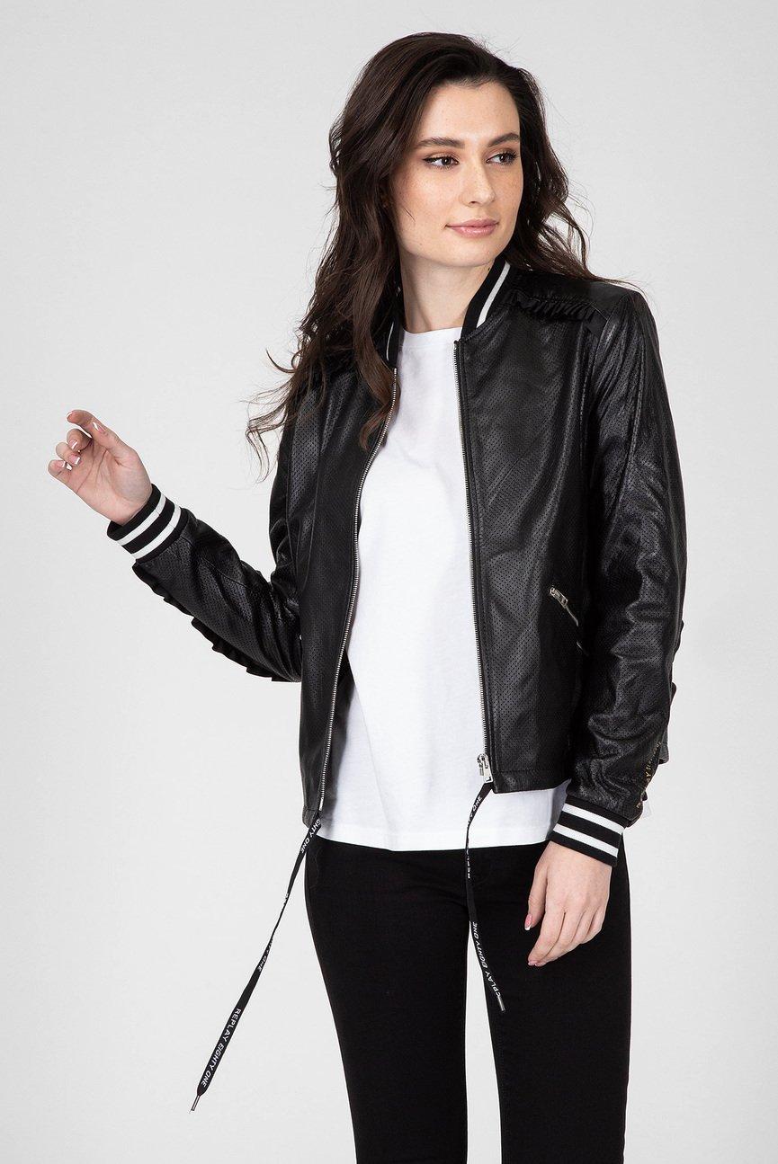Женский черный кожаный бомбер