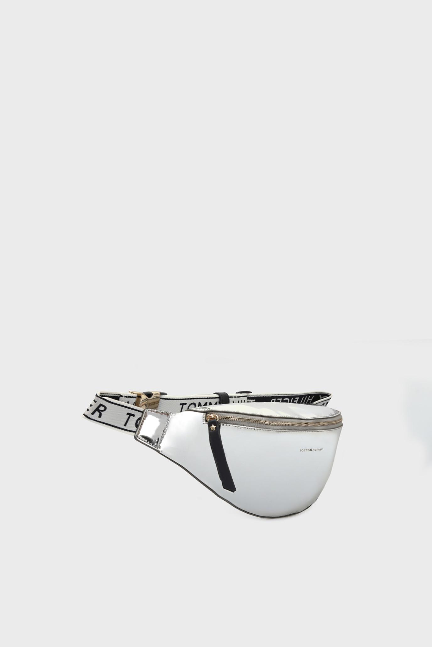 Купить Женская серебристая поясная сумка ICONIC Tommy Hilfiger Tommy Hilfiger AW0AW05842 – Киев, Украина. Цены в интернет магазине MD Fashion