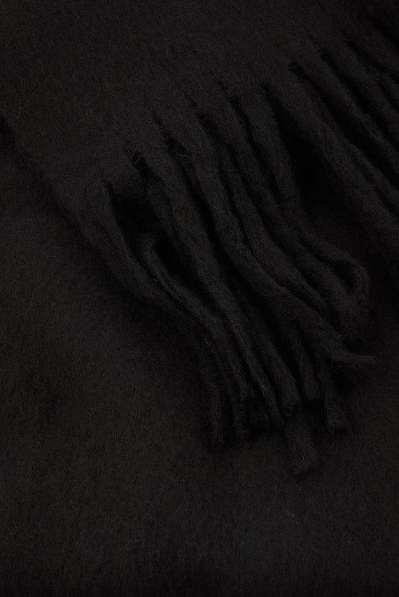 Женский черный шарф SUPER FLUFFY SCARF