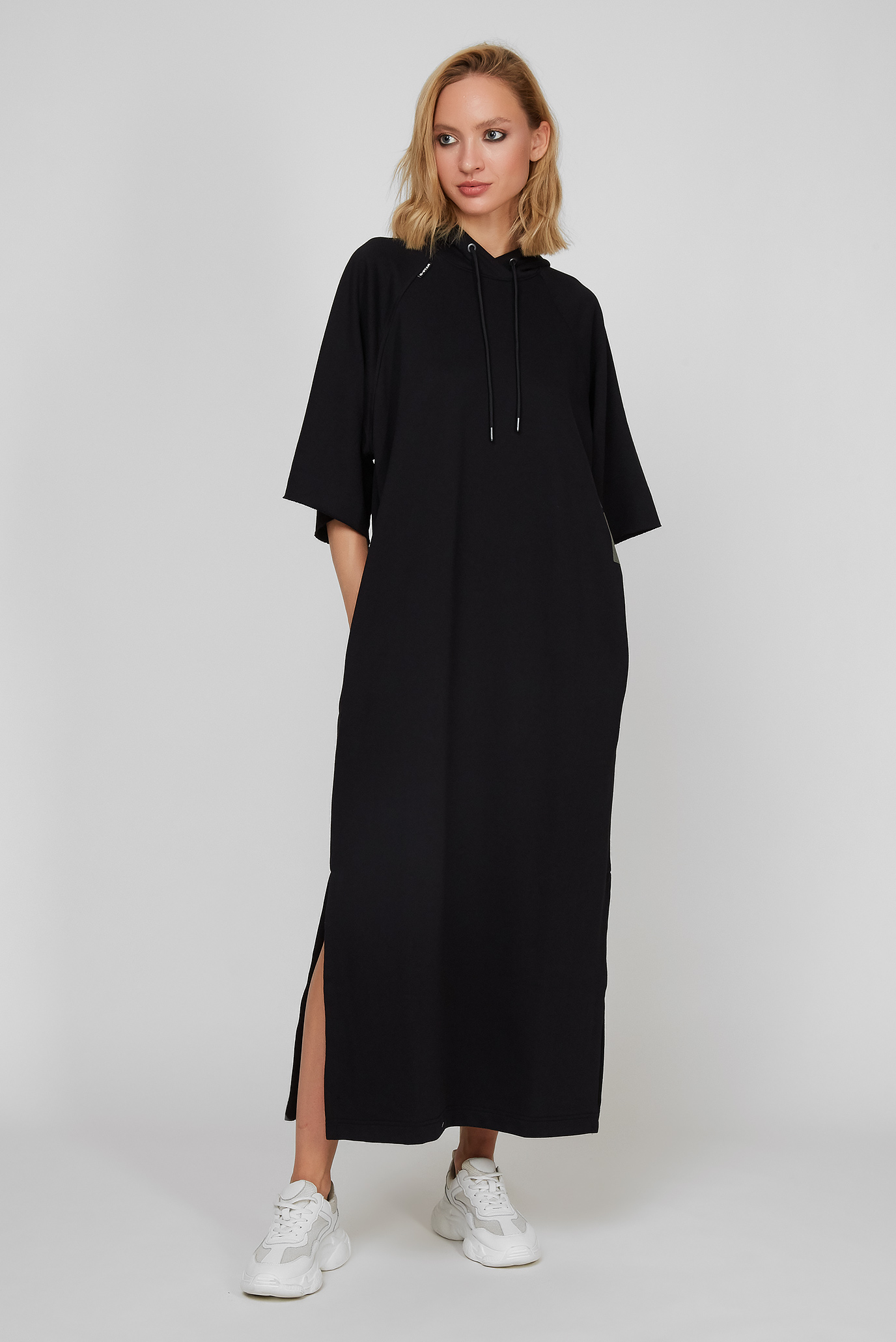 Жіноча чорна сукня 1