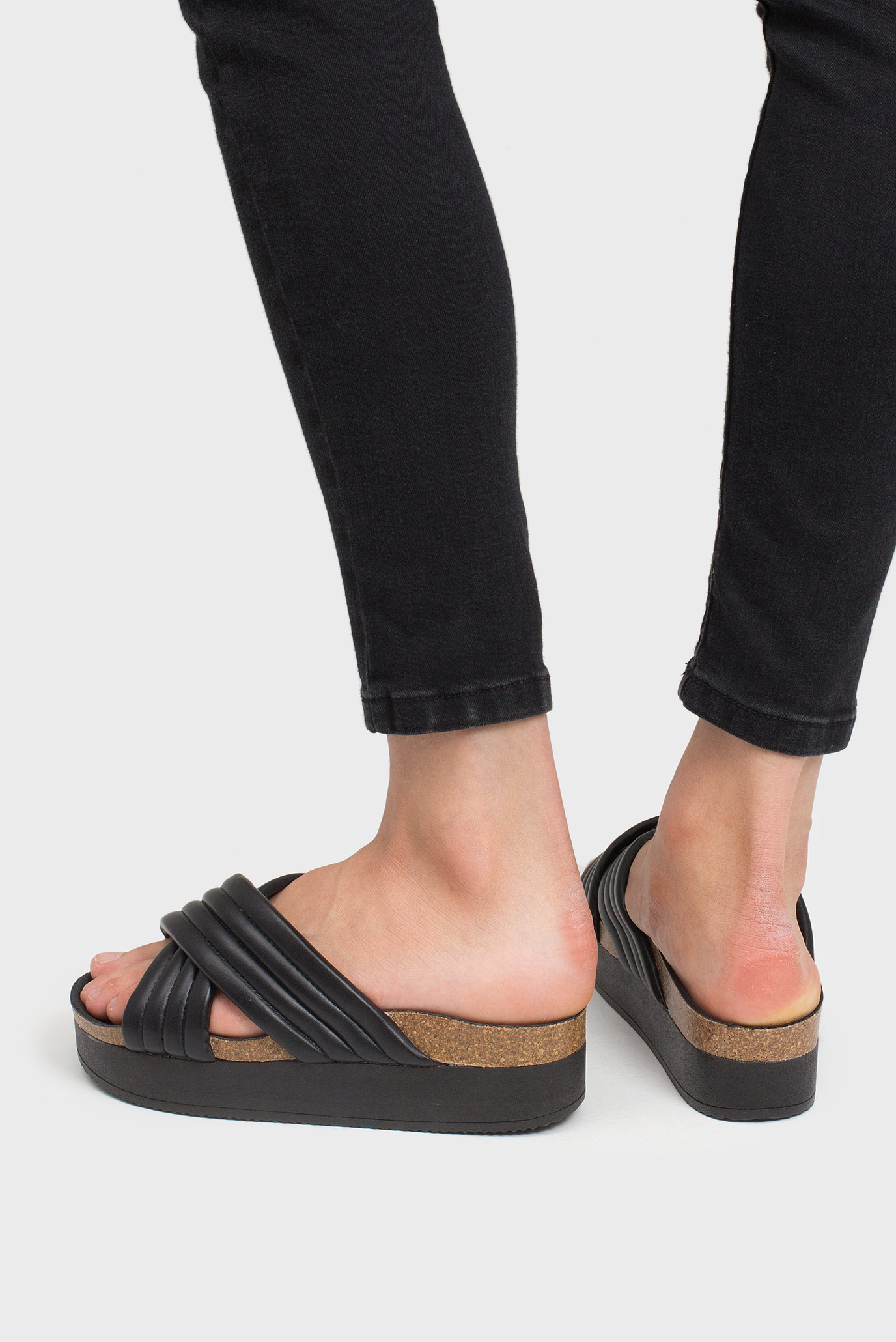 Купить Женские черные шлепанцы на платформе Preppy Preppy 688092 – Киев, Украина. Цены в интернет магазине MD Fashion