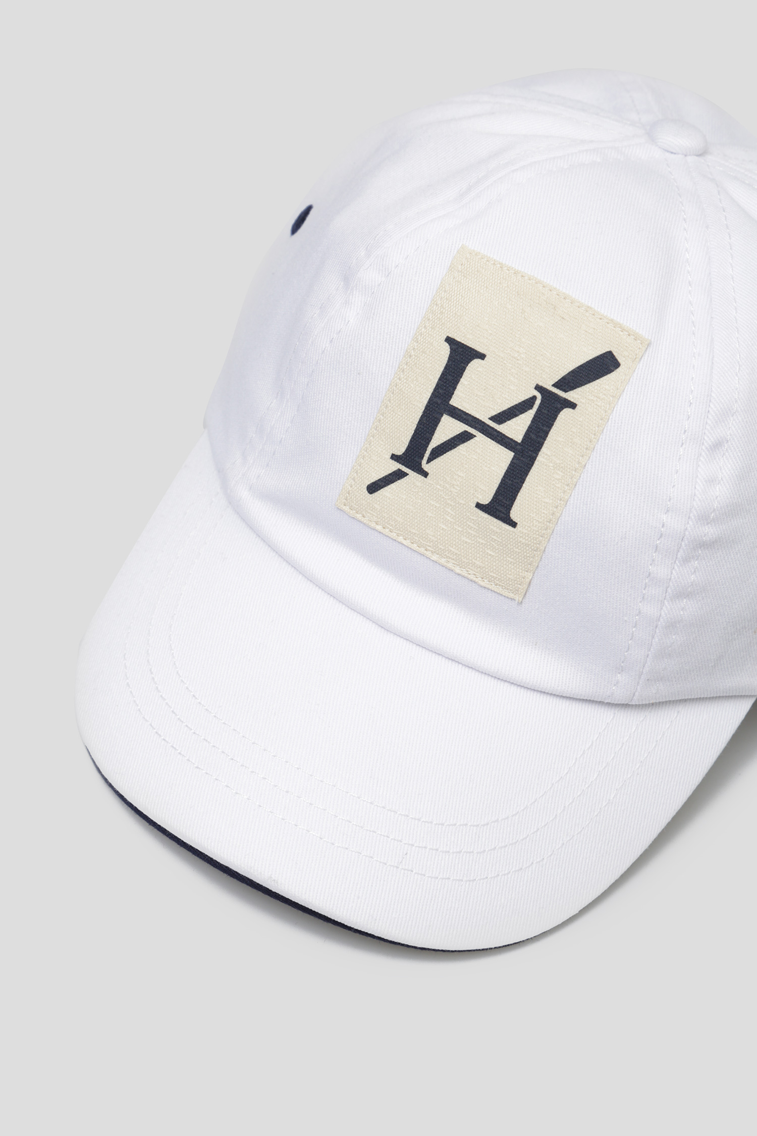 Мужская белая кепка Hackett