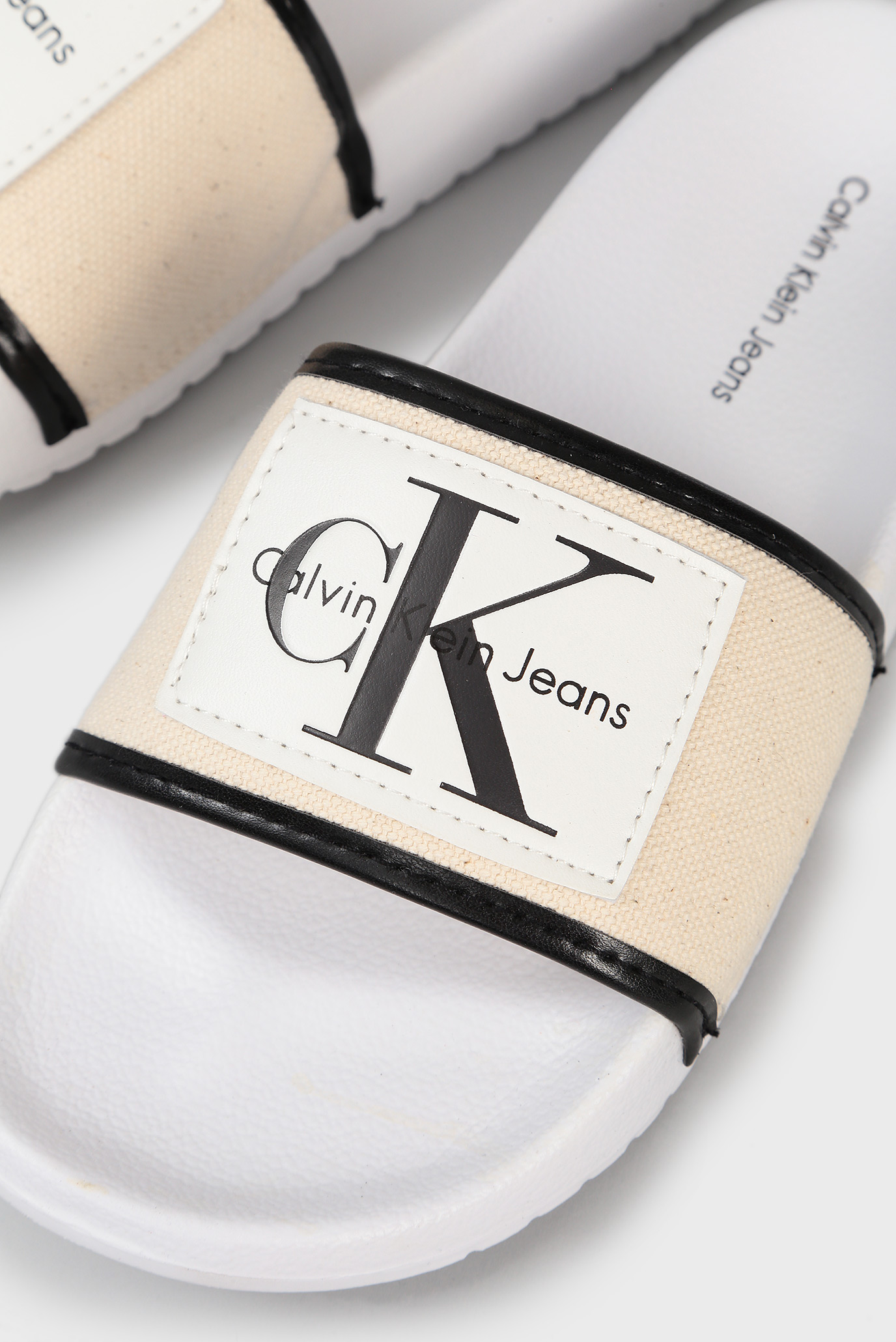 Купить Женские бежевые слайдеры Calvin Klein Calvin Klein R8806 – Киев, Украина. Цены в интернет магазине MD Fashion