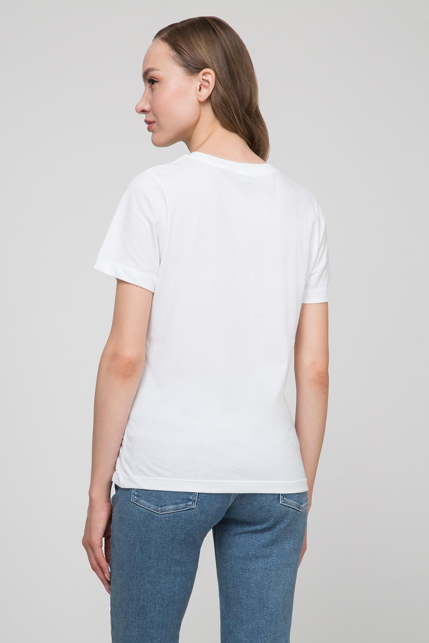 Купить Женская белая футболка SMALL LOGO PATCH TEE Calvin Klein Calvin Klein K20K200702 – Киев, Украина. Цены в интернет магазине MD Fashion