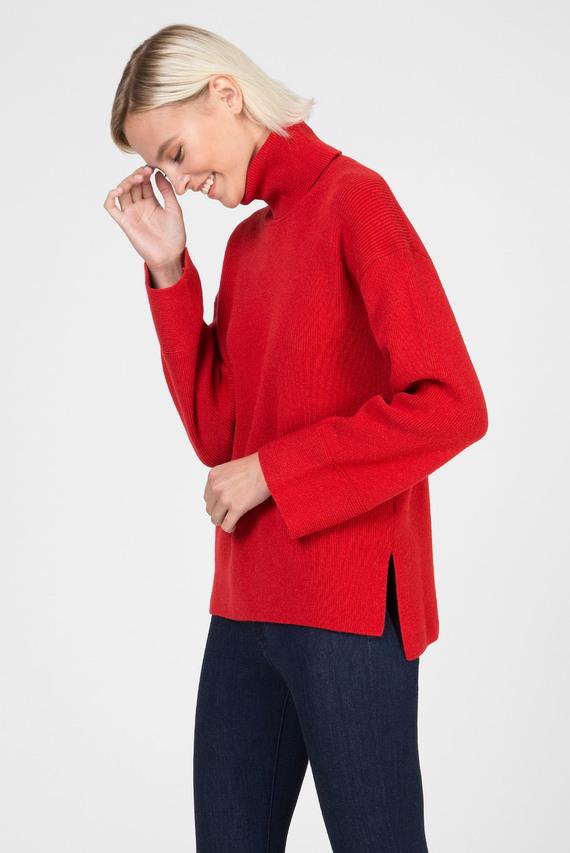 Женский красный шерстяной свитер