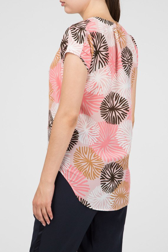 Женская розовая блуза с принтом