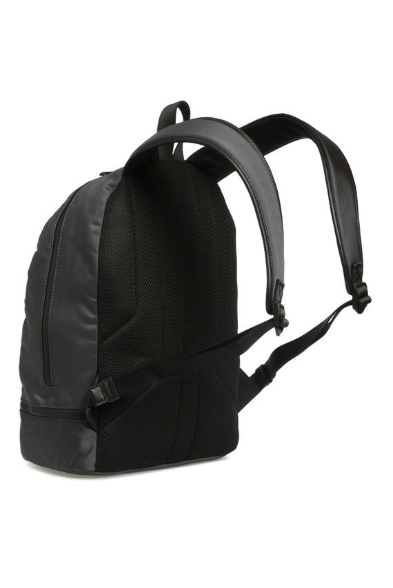 Мужской серый рюкзак