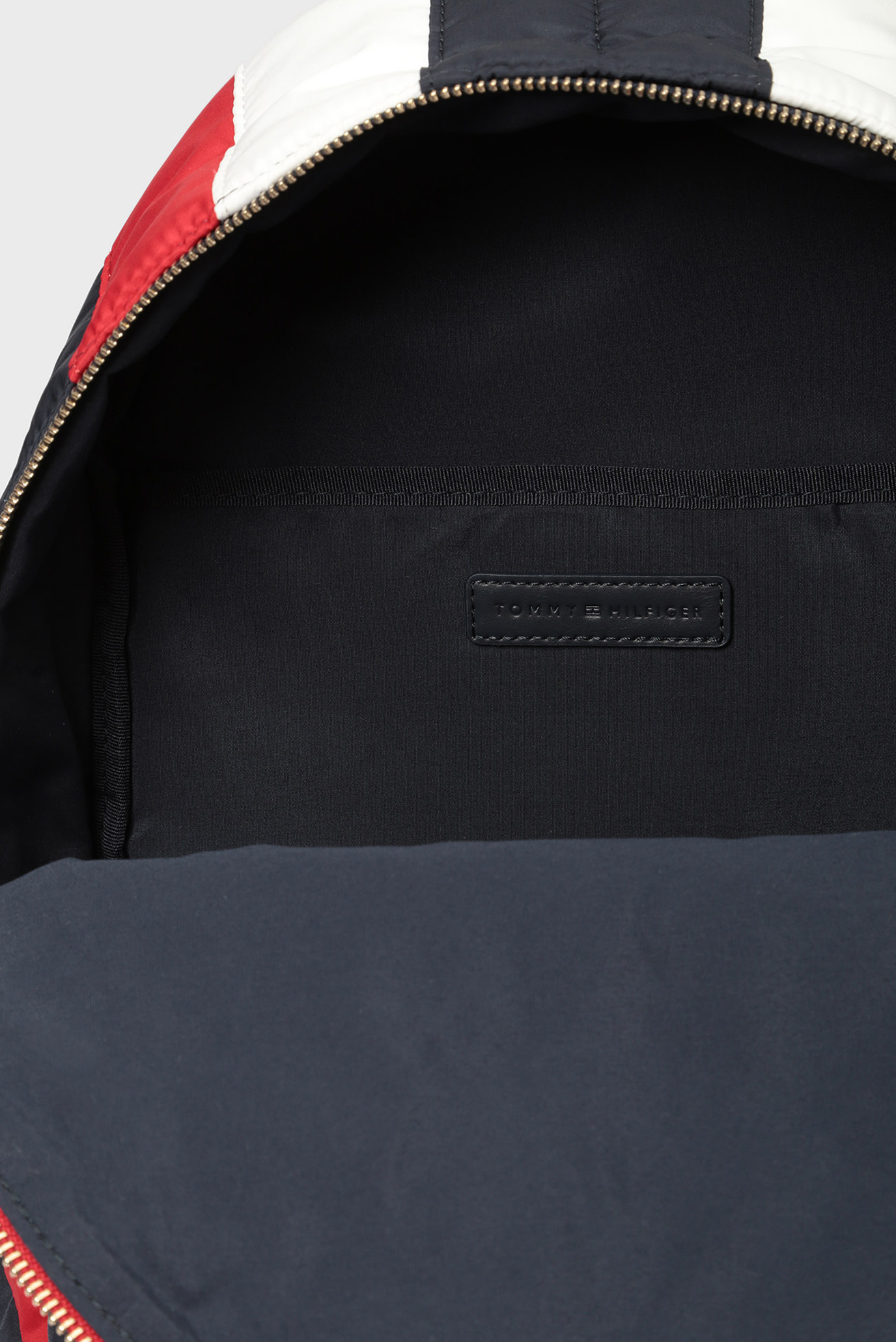 Купить Женский рюкзак POPPY CHEVRON Tommy Hilfiger Tommy Hilfiger AW0AW05844 – Киев, Украина. Цены в интернет магазине MD Fashion