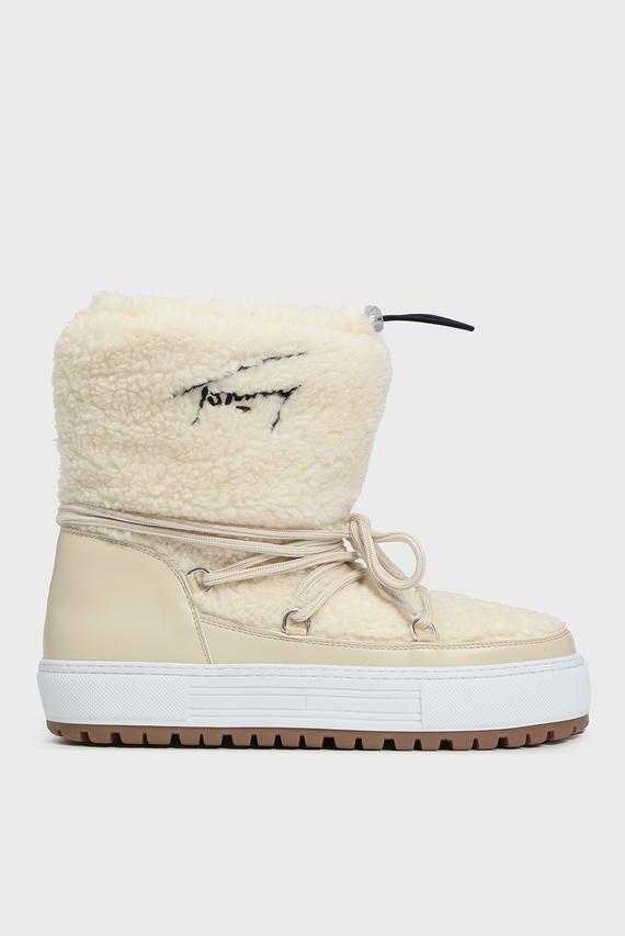 Женские белые ботинки
