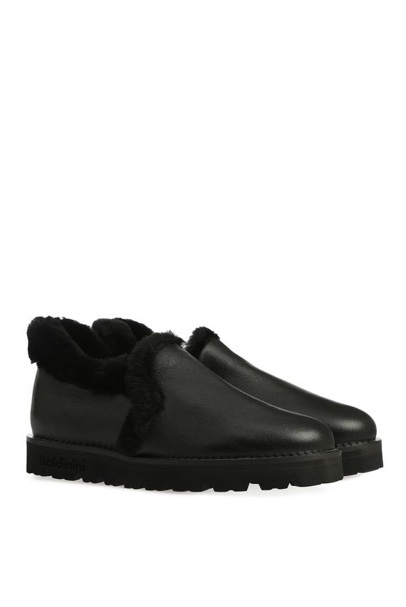 Женские черные кожаные ботинки с мехом