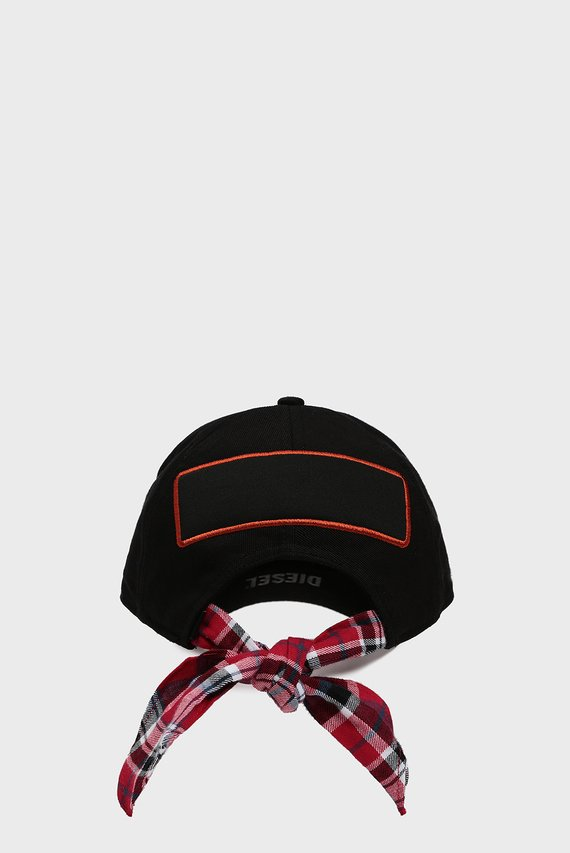 Черная кепка с патчем C-EMME HAT