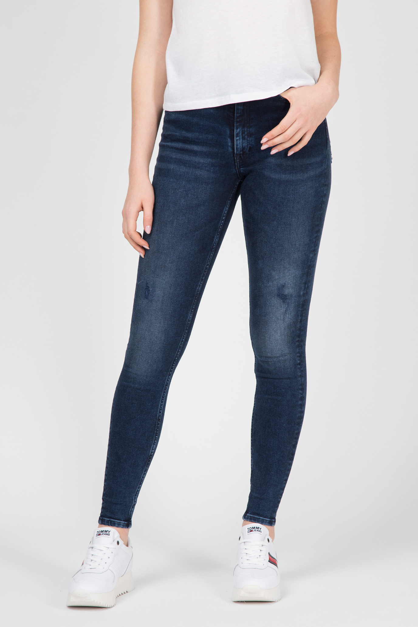Купить Женские синие джинсы HIGH RISE SKINNY SANTANA Tommy Hilfiger Tommy Hilfiger DW0DW05041 – Киев, Украина. Цены в интернет магазине MD Fashion