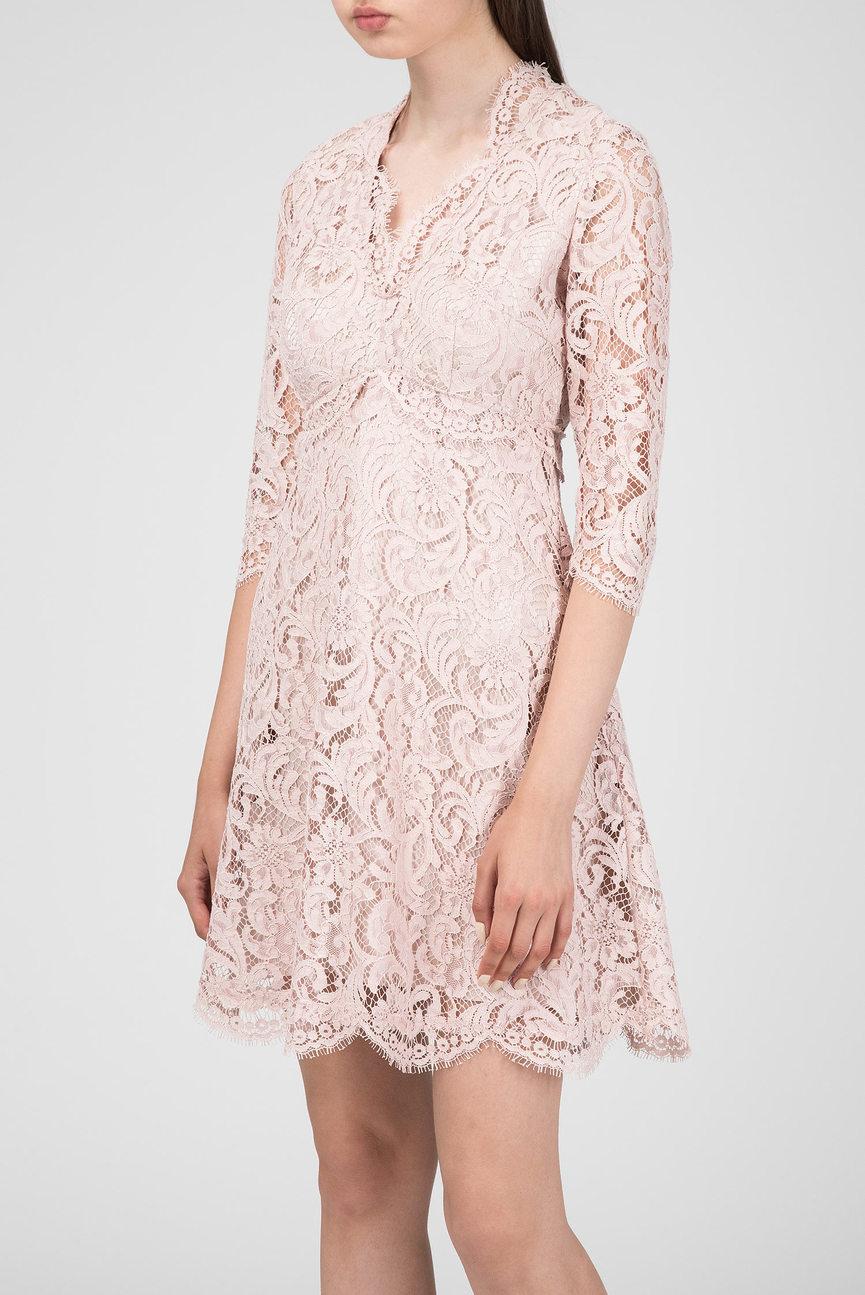 Женское розовое кружевное платье