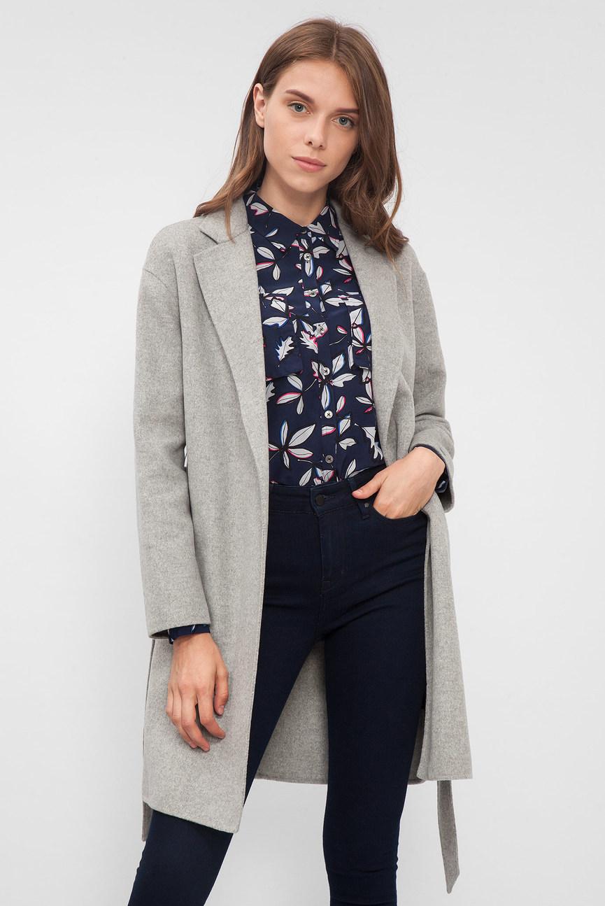 Женское серое пальто под пояс