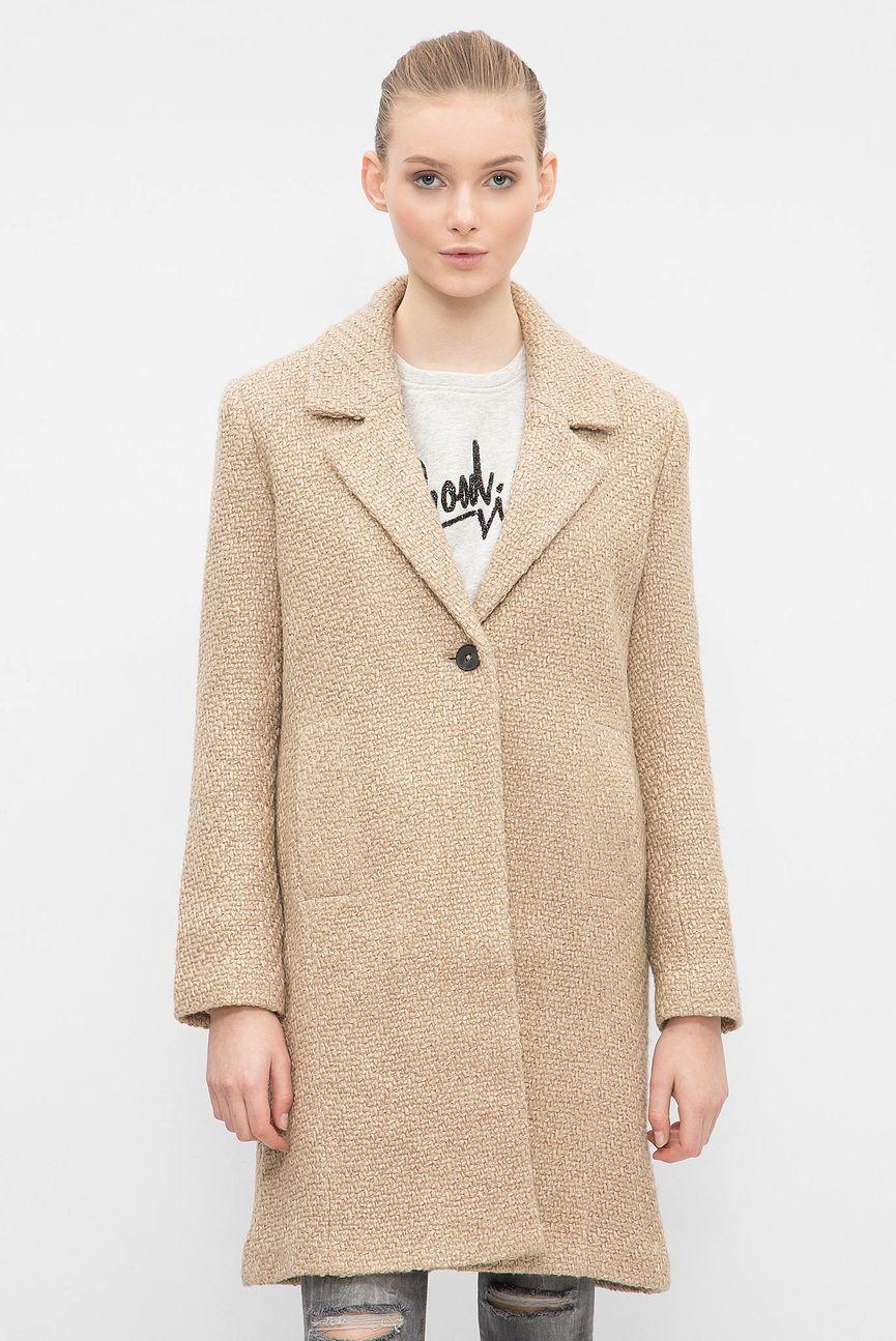 Женское бежевое пальто
