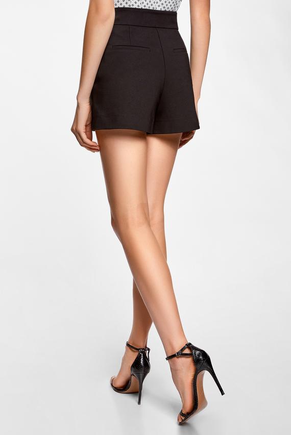 Женские черные шорты-трапеция