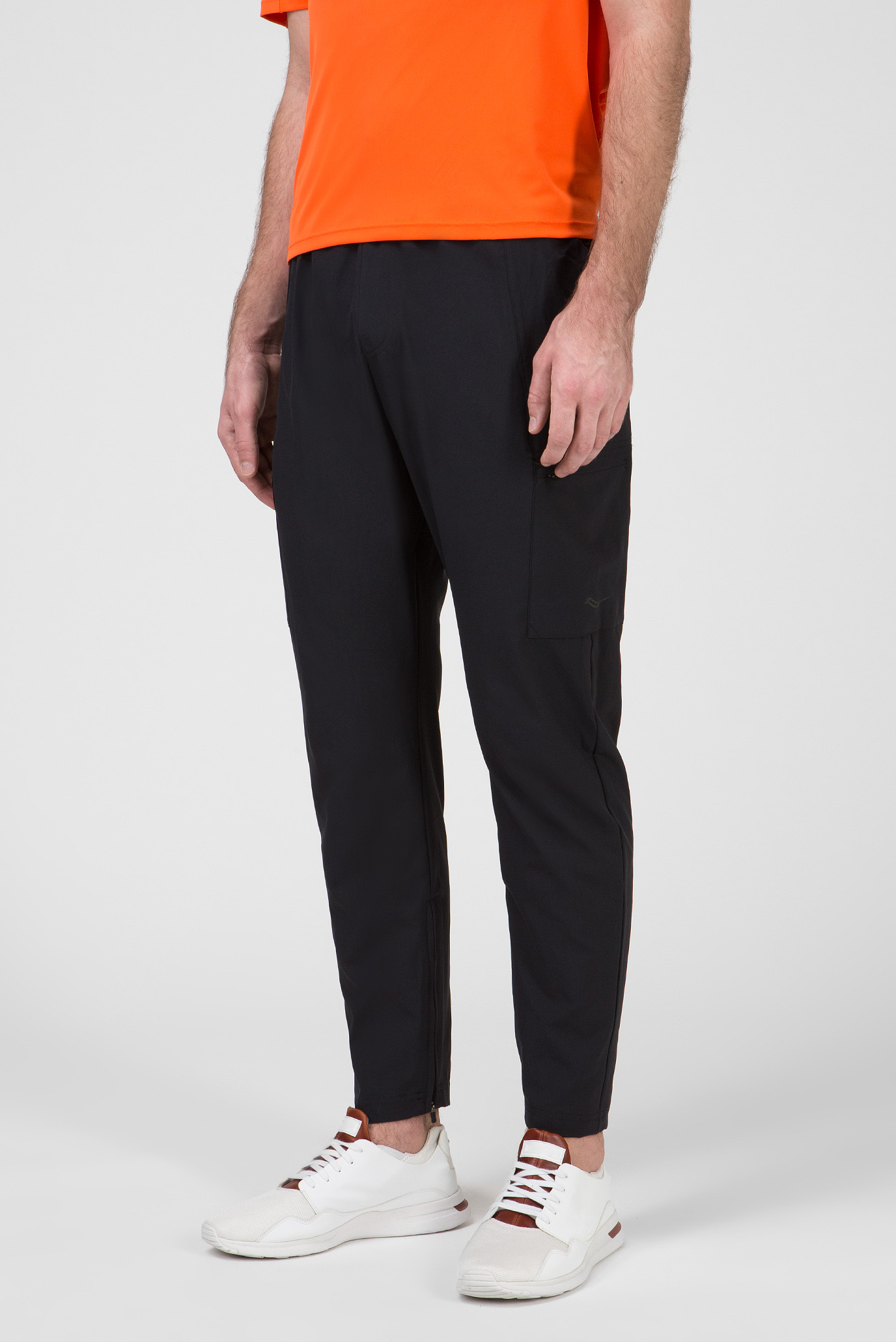 Мужские черные спортивные брюки COOLDOWN Saucony
