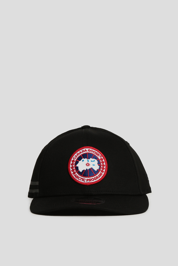 Черная кепка