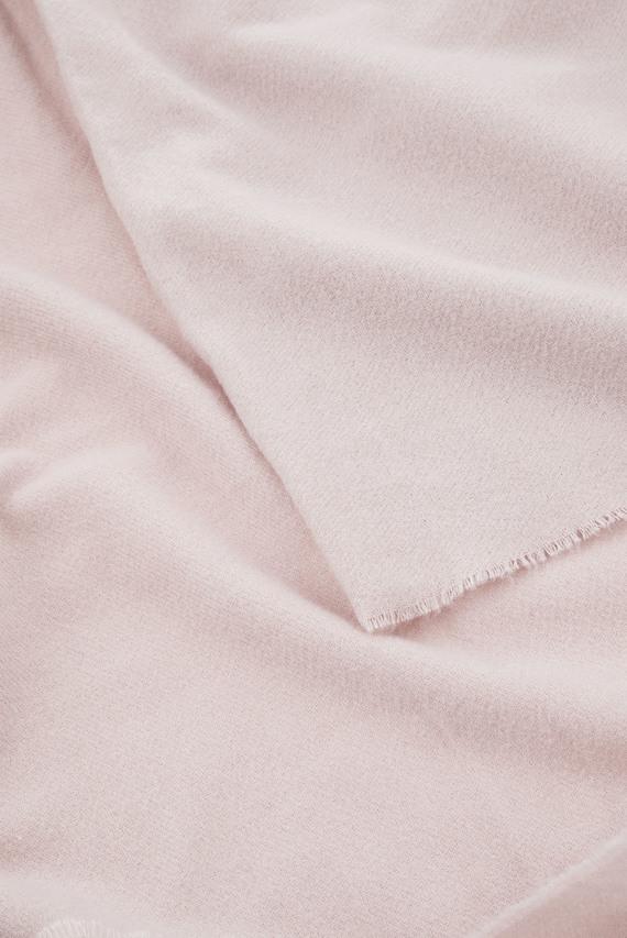 Женский розовый шарф WELLS SUPERSOFT BLAN