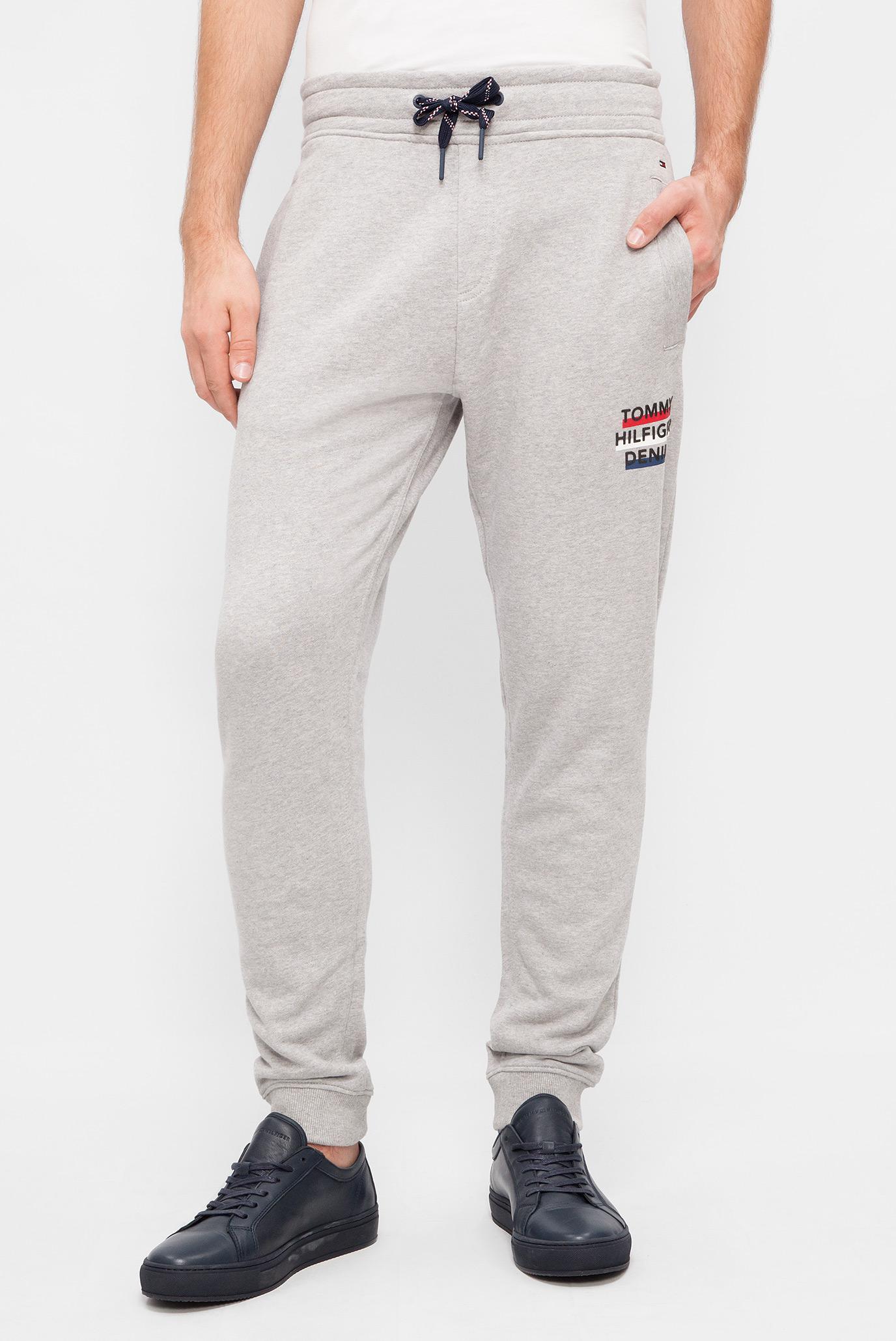 Купить Мужские серые спортивные брюки Tommy Hilfiger Tommy Hilfiger  DM0DM02770 – Киев, Украина. Цены в интернет магазине ... 8f5a08bf547
