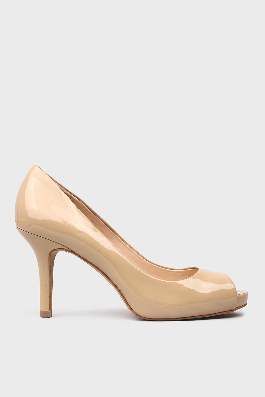 Женские бежевые лакированные туфли